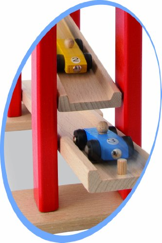 Diversión asegurada con esta pista de coches en madera