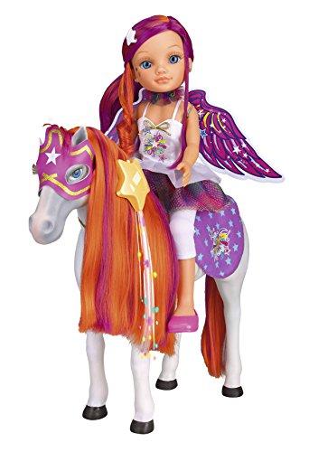 Nancy con su caballo que cambia el pelo de color