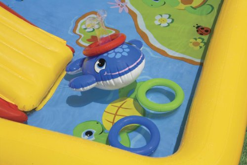 Centro de juegos con piscinas y accesorios